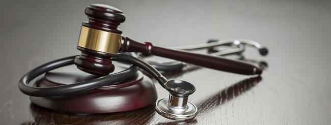 doktorun-uyguladigi-yanlis-tedaviye-tazminat-davasi-nasil-acilir